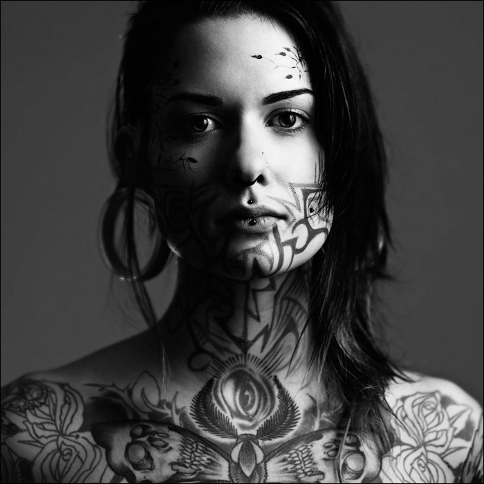 Girls with tattoos how can anyone say no to them fun news for Woman with tattoos