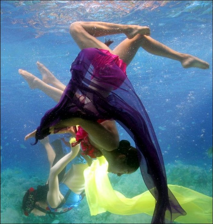 Underwater Fashion Show