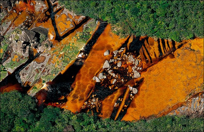 Yann arthus bertrand 39 39 the earth from above 39 39 for Fond ecran photo yann arthus bertrand