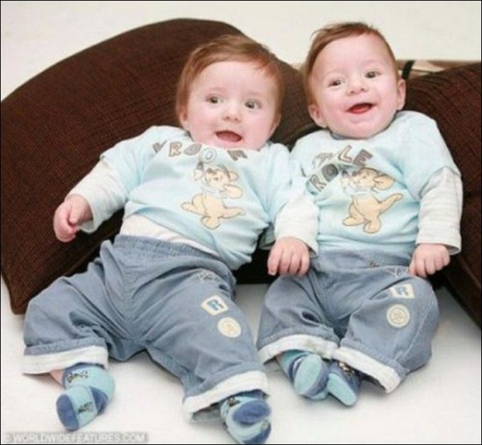 Amazing Twins