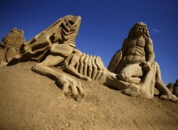 Amazing sand sculptures of the summer 2011